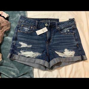 AE tomgirl midi shorts